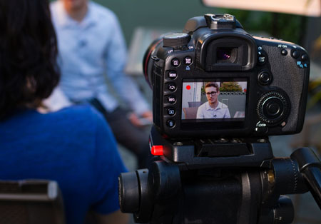 Mobile journalism benefits from compact solutions such as the ClipMic digital and MKE 2 digital.