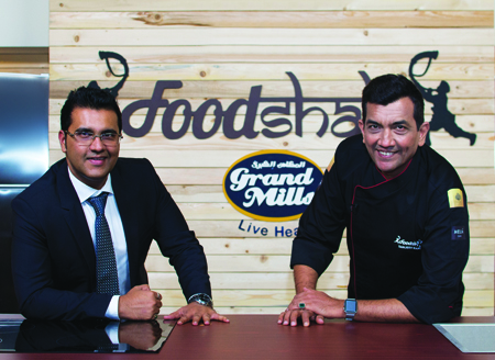 Gaurav Tandon (l) with Sanjeev Kapoor.