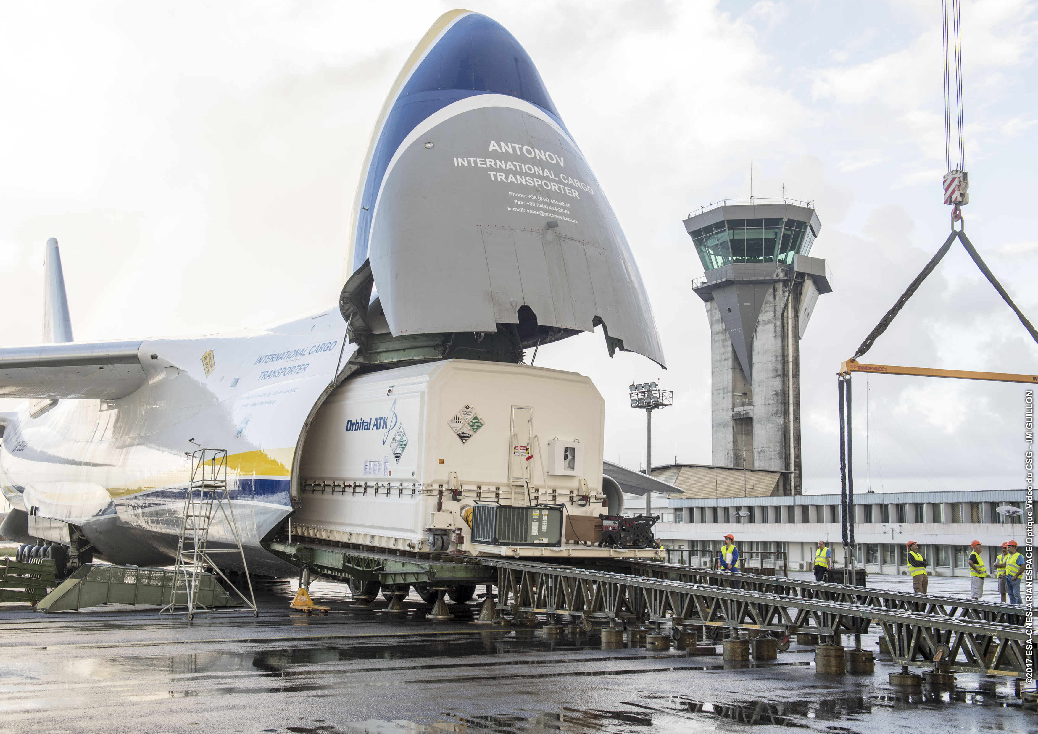 Al Yah 3 successfully arrives at launch site in French Guiana
